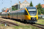 TPF RABe 527 als S21 Ins - Fribourg am 8. Mai 2021 in Cressier FR.