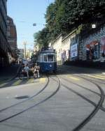 Zürich VBZ Tram 10 (Be 4/4 1372) Weinbergstrasse / Central im August 1986.