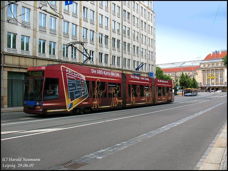 tram 1114 der lvb mit vollwerbung monatskarte in der goethestra e in leipzig. Black Bedroom Furniture Sets. Home Design Ideas