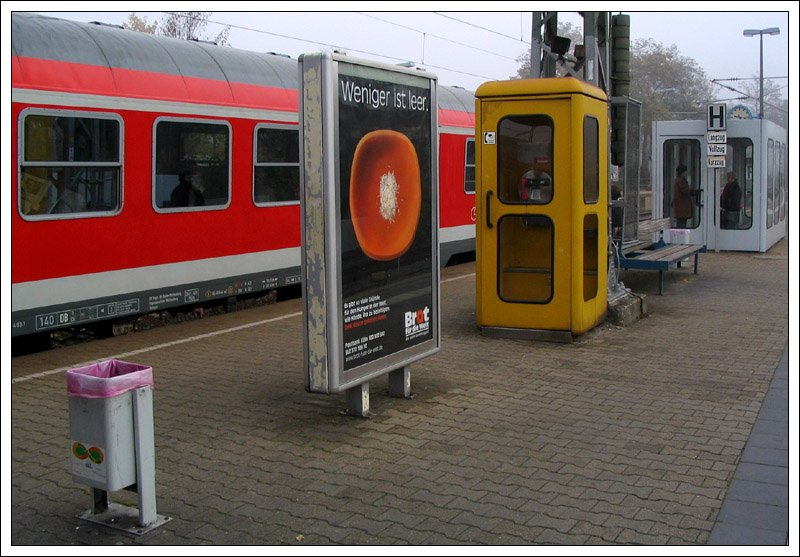 bahntristesse 3 ein sammelsurium von bahnsteigaufbauten im bahnhof waiblingen ein zeimlich. Black Bedroom Furniture Sets. Home Design Ideas